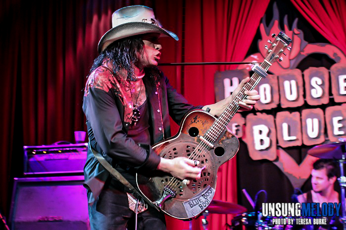 Treat Me Right. Eric Sardinas and Big Motor at House of Blues Back Porch in Chicago.