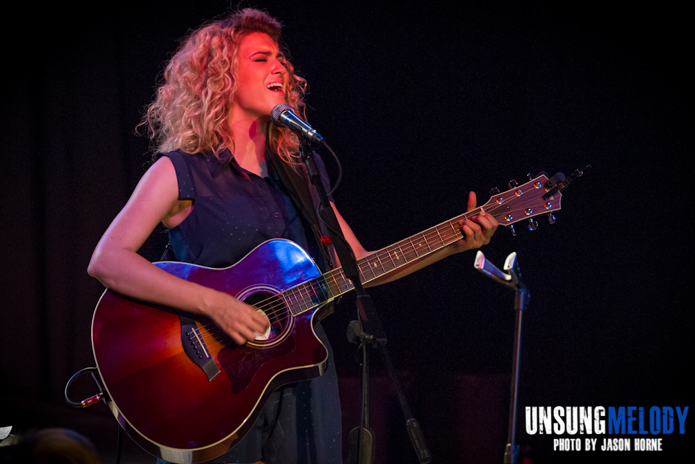 Tori Kelly-Exit-In-2013-14