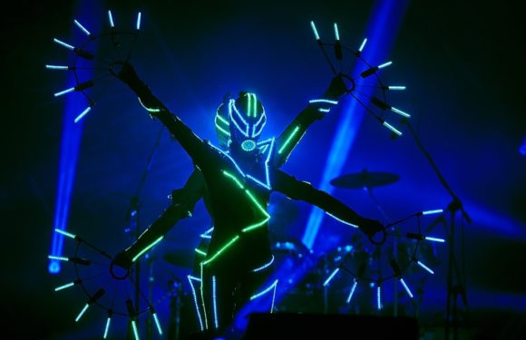 "Techno-Trance Legend JUNO REACTOR Releases Stunning Visual Spectacle of JUNO REACTOR – THE MUTANT THEATRE with ""LET'S TURN ON""!"